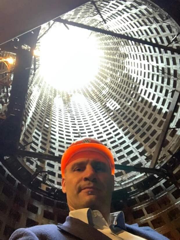 Фото со дна: Кличко полез в шахту, чтобы выпендриться перед подписчиками, но они не оценили