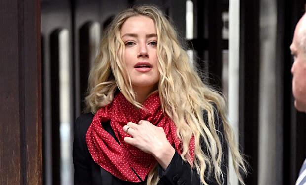"""Бывшая ассистентка Эмбер Херд обвинила актрису в новом преступлении: """"Она украла мою историю"""""""