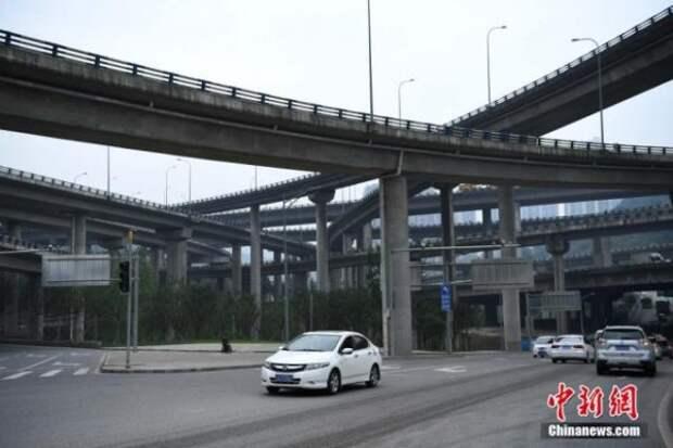 В Китае построили пятиуровневую мегадорогу