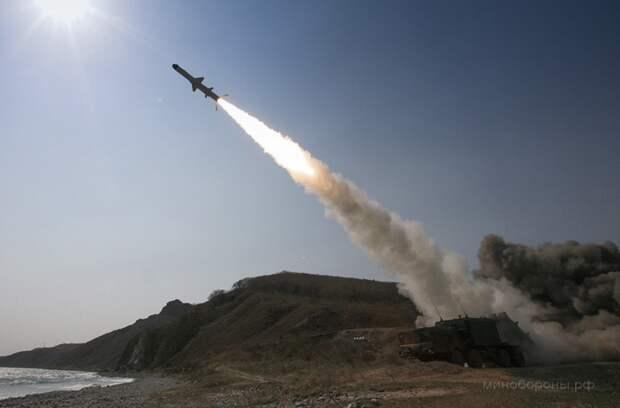 """Украина подтвердила """"обстрелы"""" эсминцев США российскими береговыми комплексами"""