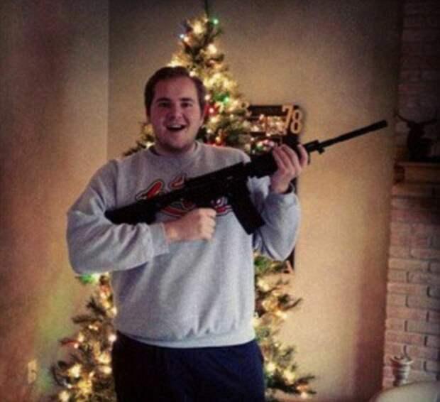 Елки-палки, два ствола: американцы хвастаются оружием, которое «Санта принес наРождество»
