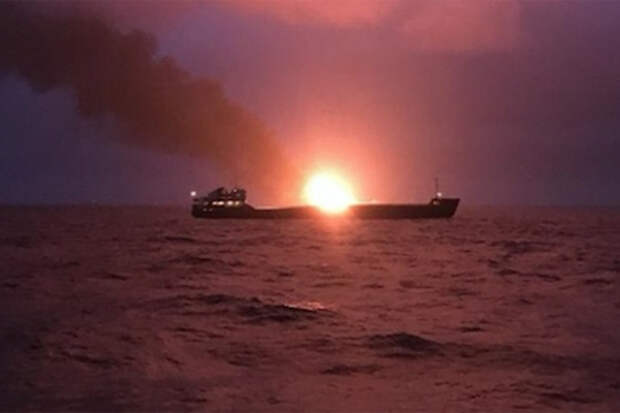 Огонь на газовозах в Керченском проливе еще долго не погаснет