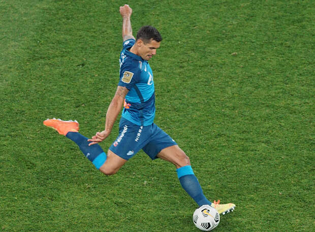 Ловрен возмущен пенальти в матче с Чехией: «Я вообще не видел Шика, шел на мяч – что мне делать? Прыгать без рук, как свечка?»