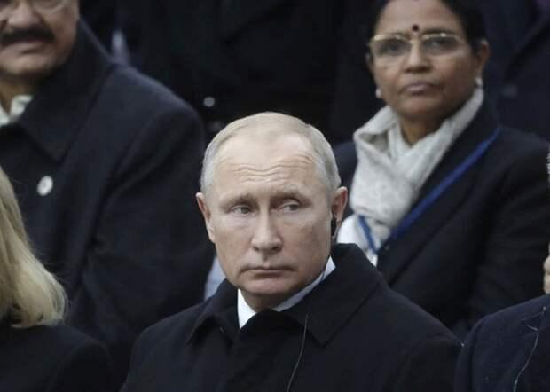 Путин назвал желание Макрона создать общеевропейскую армию естественным