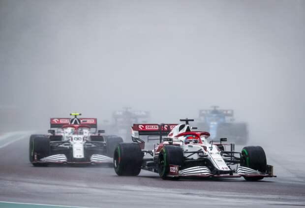 «Ждали ответ FIA слишком долго». В Alfa Romeo объяснили штраф Кими Райкконена
