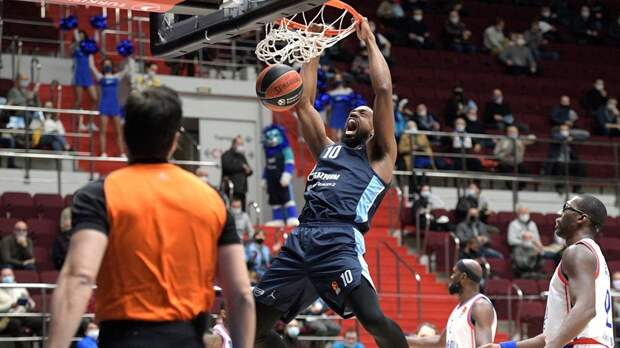 «Зенит» обыграл «Анадолу Эфес» в матче баскетбольной Евролиги