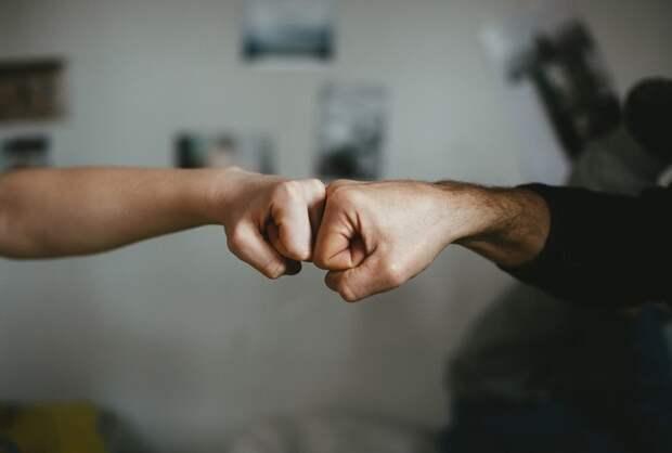 Экспресс-тест: Что кулак говорит о вашей личности?