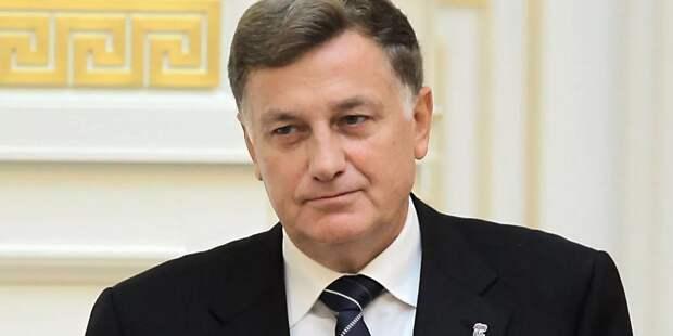 Вячеслав Макаров «выдворяет» журналистов