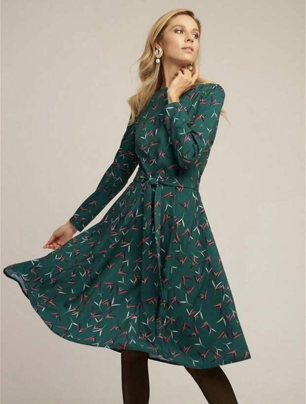 Пока не в форме: 5 платьев на весну 2021, которые помогут скрыть животик