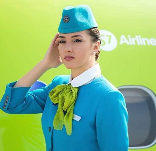 Самые красивые стюардессы авиакомпаний России