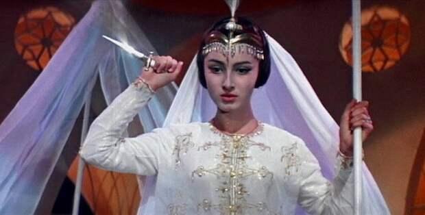 Кадр из фильма *Волшебная лампа Аладдина*.