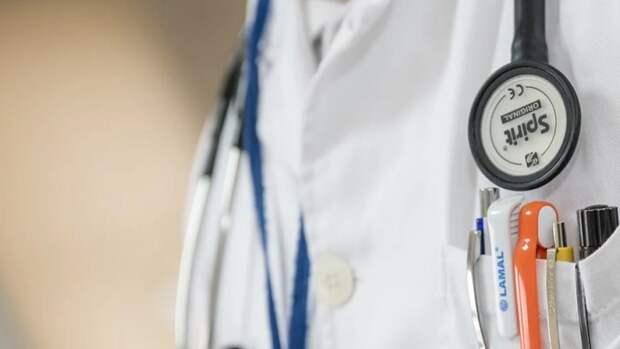 Ковидные надбавки в апреле получили 1,7 тысячи медиков Ставрополья