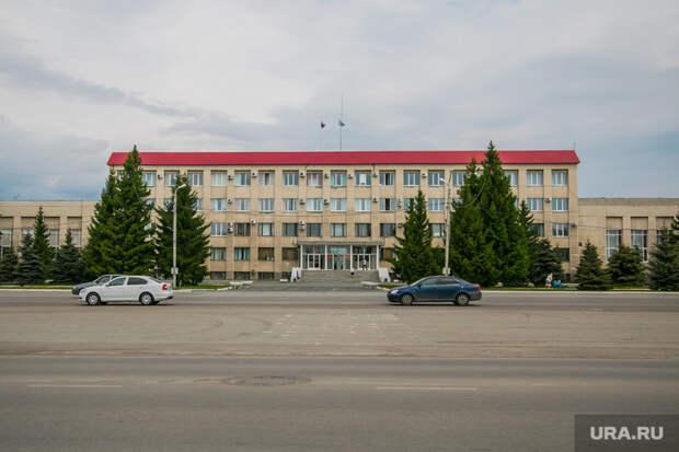Жители Шадринска увеличили отпуск мэру испикеру