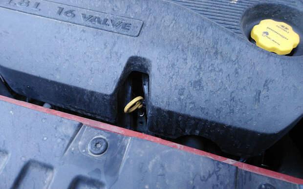 Lada Vesta SW Cross: внезапный масложор и потерянный болт