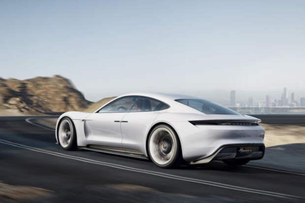Porsche отказывается от дизелей. Спорткары должны быть «зелеными»!