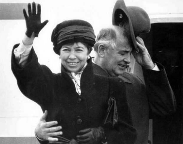 Раиса и Михаил Горбачевы: Любовь без политики, вместе в бедности и в богатстве