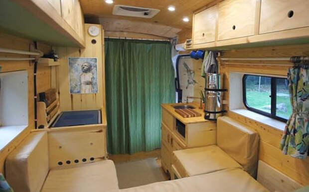 Сделай сам: они построили дом для путешествий за 5 месяцев