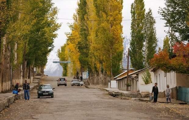 Типичный поселок в Таджикистане жизнь простых людей, миграция, таджикистан