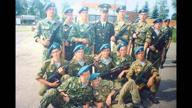 Безумные духи или как рота десантников разогнала 2500 боевиков в ущелье.