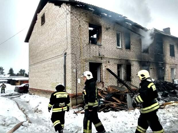 В Удмуртии назвали причины мартовского пожара в жилом доме в Игре, унесшего жизни трех человек