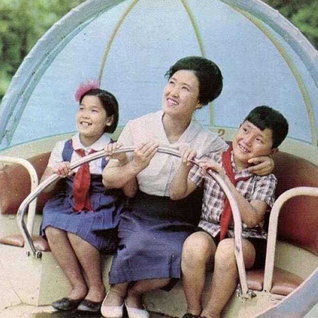 5 рекламных фото для туристов Северной Кореи, которые вводят в заблуждение
