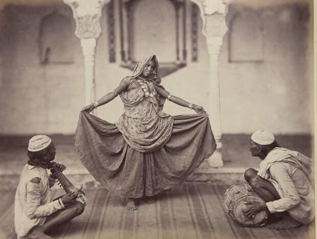 Albom fotografii indiiskoi arhitektury vzgliadov liudei 19