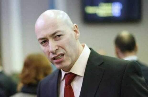 Гордон потребовал от Киркорова покаяться за Крым и брать пример с Пугачевой