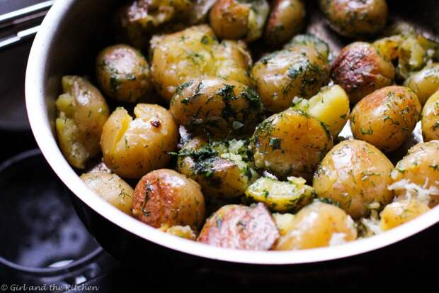 Вот 5 просто восхитительных блюд из молодой картошки. Какое сделаете сегодня?