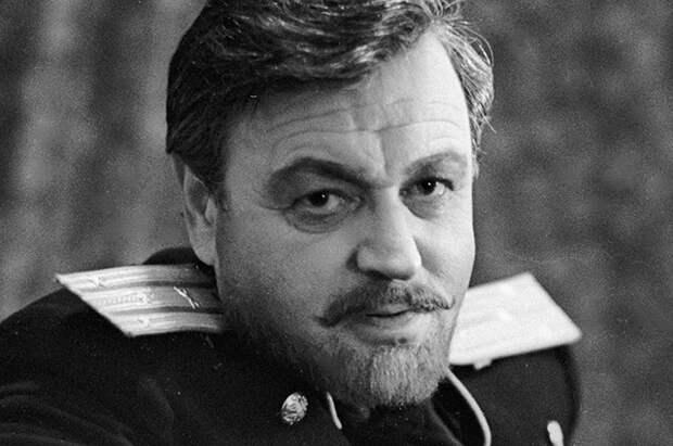 Ефим Копелян в спектакле А. П. Чехова «Три сестры».