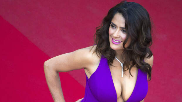 «Мексиканец никогда не добьется успеха»: Сальма Хайек вспомнила о напутствиях в начале своей карьеры