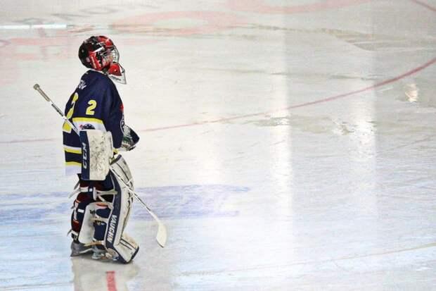 Хоккеисты «Бригантины» разгромили соперников из Западного Дегунина
