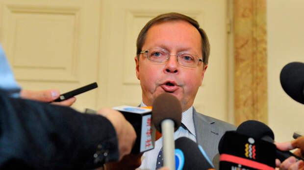 Российский посол пообещал защитить своих журналистов в Британии