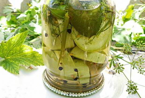 Вкусные и хрустящие маринованные кабачки на зиму: как огурцы!