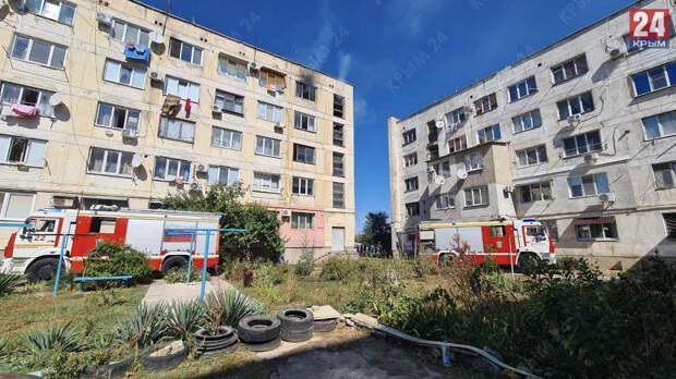 При пожаре в многоэтажке в Евпатории погибла женщина