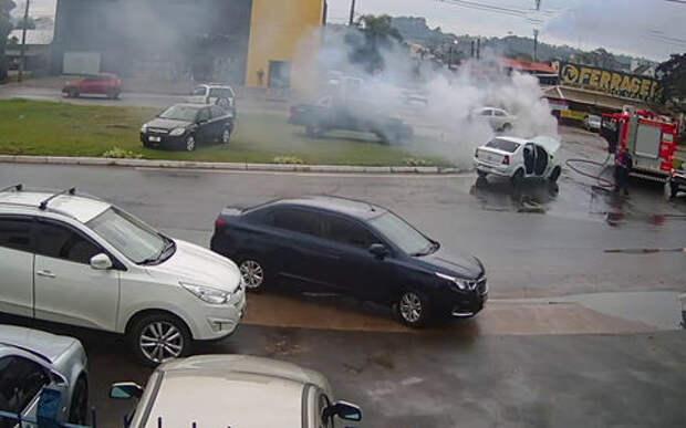 Автомобиль загорелся? Главное, чтобы в нужном месте и в нужное время!
