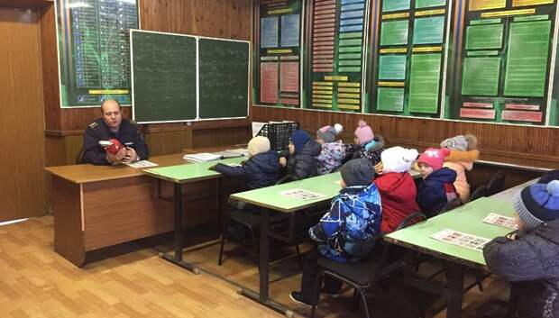 Огнеборцы рассказали воспитанникам детсада о правилах пожарной безопасности
