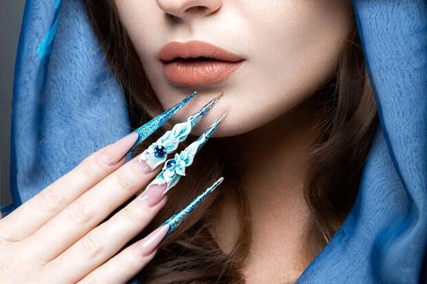 Жительница Петербурга стала обладательницей самого длинного в мире ногтя