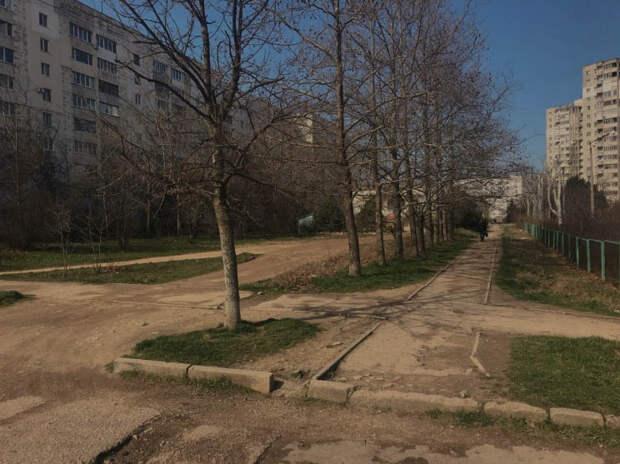 В Гагаринском районе Севастополя капитально отремонтируют сквер к зиме