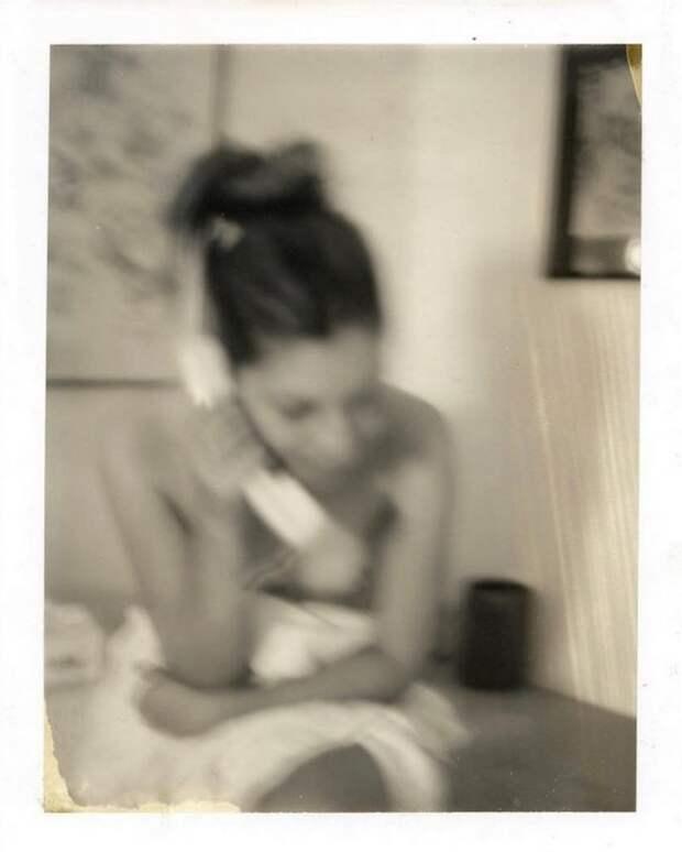 «Полароиды женщин»: атмосферные фотосессии 1990-х Дьюи Никса