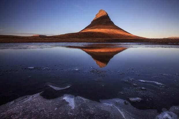 гора в Исландии фото