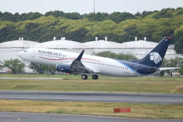 Дрон повредил пассажирский самолет Boeing 737