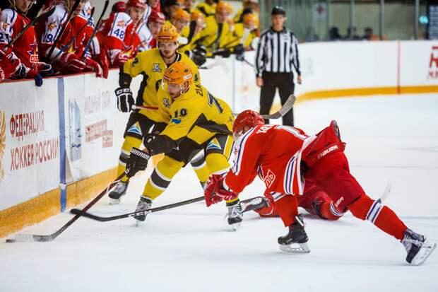 «Ижсталь» обыграла на домашнем льду «Сарыарку»