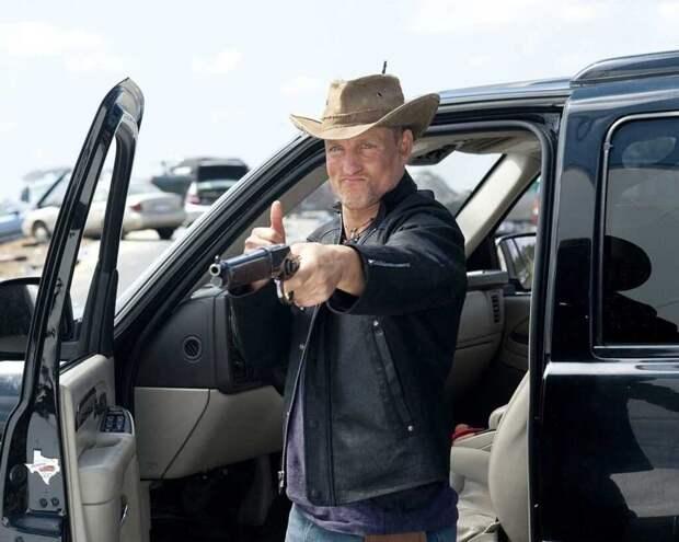 Голливудская звезда Вуди Харрельсон ударил навязчивого фотографа, но не был наказан за это