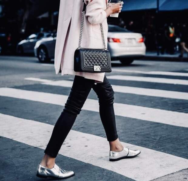 Рекомендации итальянских стилистов, как сочетать обувь и одежду весной 2021