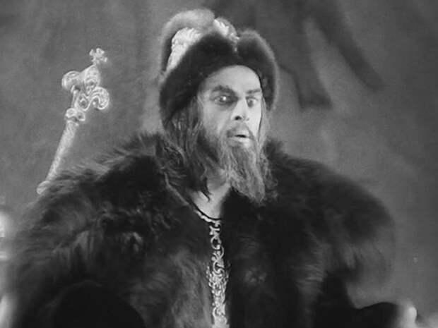 Какие информационные войны при Иване Грозном велись против России