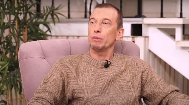 «Надувательство»: Соседов сравнил Пугачеву с Ротару