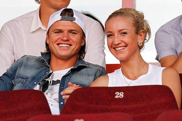 Тарасов предлагал Бузовой встретиться после её расставания с Давой
