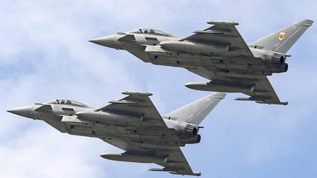 """Русские держали Лондон """"на мушке"""" после угроз Путину и Лукашенко: Британцы ответили 28 самолётами"""