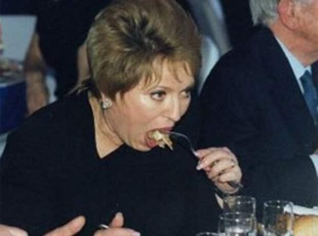Валентина Матвиенко в два присеста съедает годовой паёк малоимущих