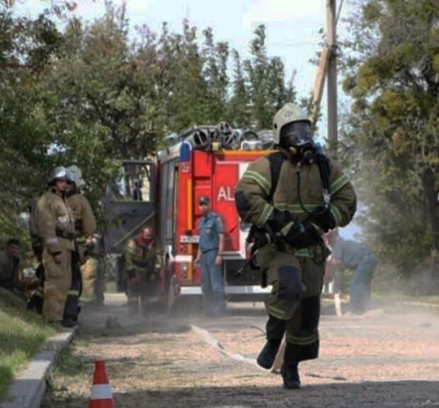 Мужчина погиб во время пожара в многоквартирном доме в Симферополе